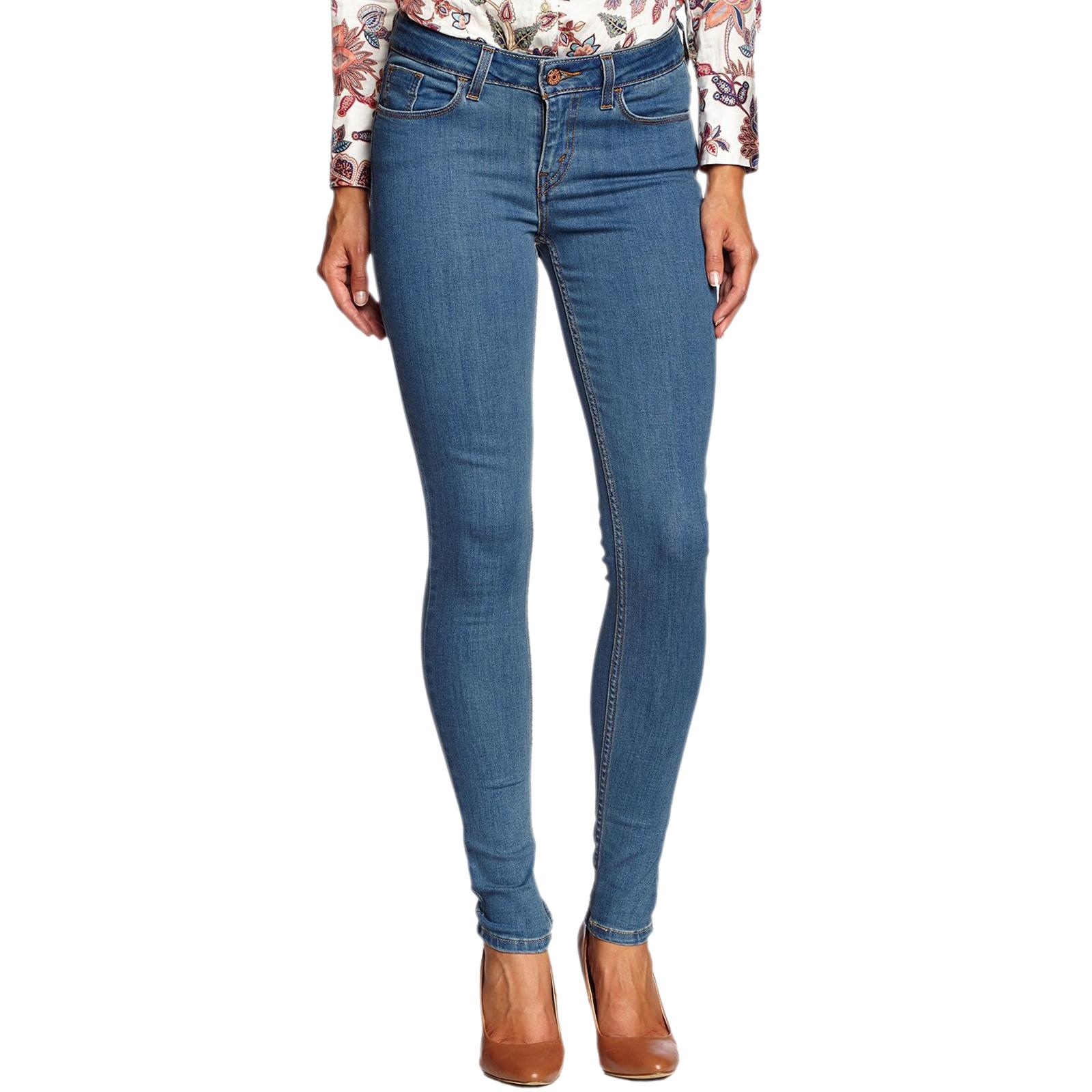 Optez pour le look denim à fond sur jean-femme.global