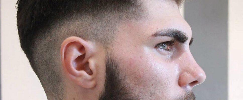Coupe de cheveux de jeune homme